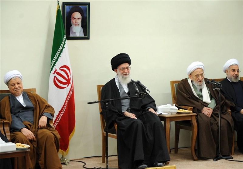 قائد الثورة الاسلامیة: الاستقلال یعتبر حدودنا مع العدو ویجب تعزیزه أکثر من أی وقت مضی
