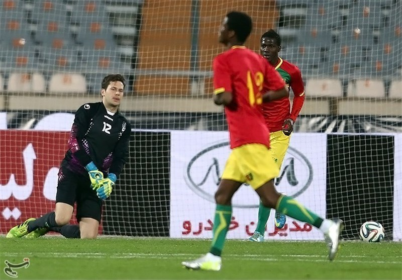 Iran Has Time to Prepare for World Cup, Goalkeeper Davari Says
