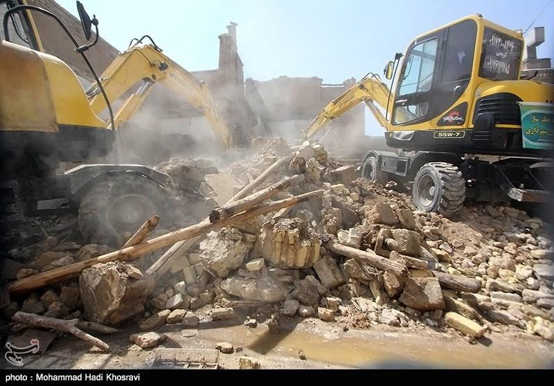 همدان| 200 ملک مخروبه برای جلوگیری از تجمع معتادن تخریب شد
