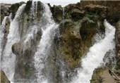 آبشار شیخ علیخان یکی از صدها جاذبه طبیعی چهارمحال و بختیاری