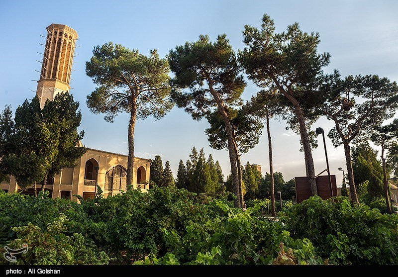 Dowlatabad Garden: A Jewel of Persian Architecture