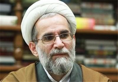 نماد نوروز فاطمی پرچم مشکی در کنار پرچم ایران است