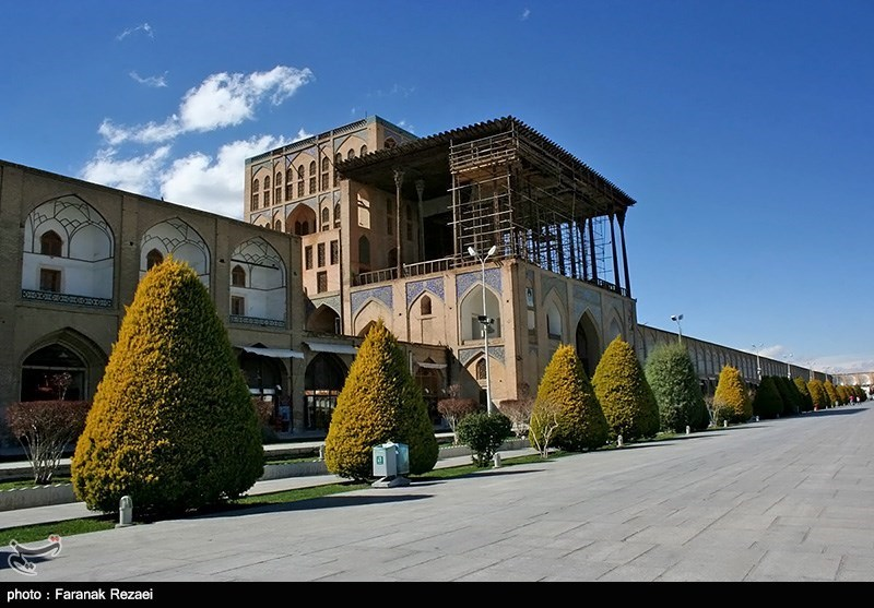 قصر عالی قابو فی مدینة اصفهان + صور