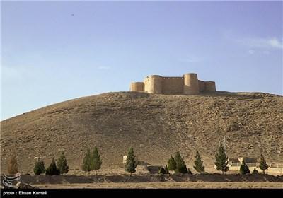 Jalal-e-Din Castle: Military Fortress of the Desert