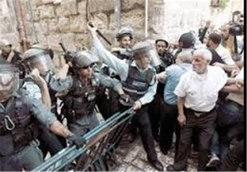 """للیوم الثانی على التوالی : اشتباکات بین المقدسیین وقوات الاحتلال الصهیونی قرب باب """"الناظر"""""""