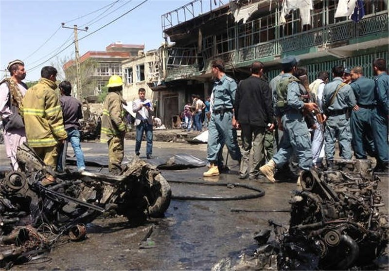 عشرات القتلى والجرحى فی تفجیر انتحاری یستهدف سوقا شعبیة بأفغانستان
