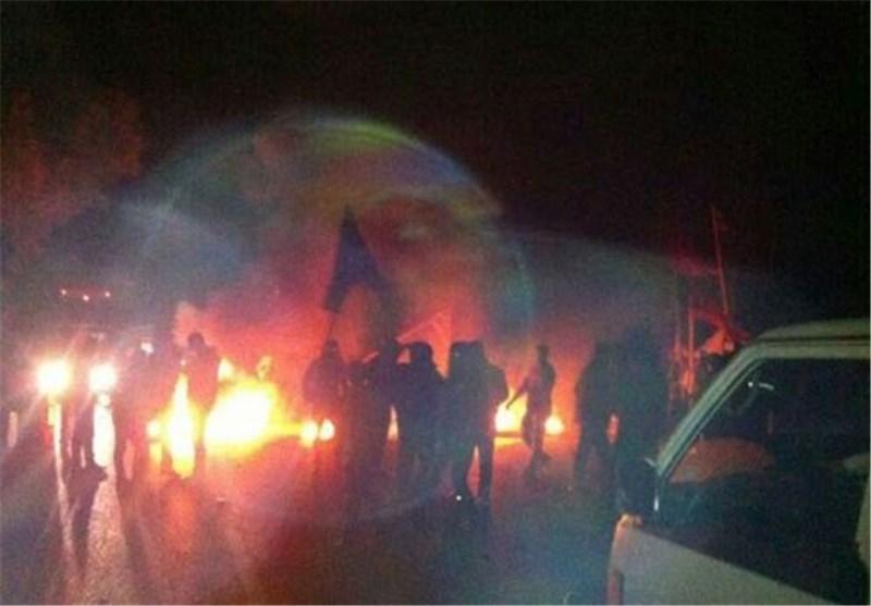 انصار سعد الحریری یعطلون حرکة المرور ویعتدون على المارة فی عدة مناطق بلبنان
