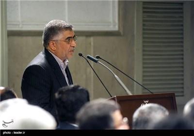 الامام الخامنئی یستقبل جمعا من المحققین فی مؤسسة الجهاد الجامعی