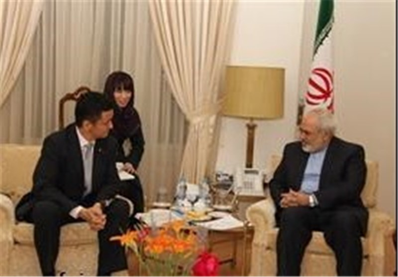 FM Urges World Powers to Respect Iran's N. Rights