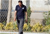 اهواز| کریم بوستانی: موقعیت گل داشتیم اما نتیجه برای ما خیلی خوب بود/ ضد فوتبال بازی نکردیم
