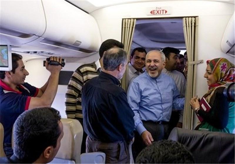 خوش و بش ظریف با خبرنگاران در آستانه پنجمین دور مذاکرات