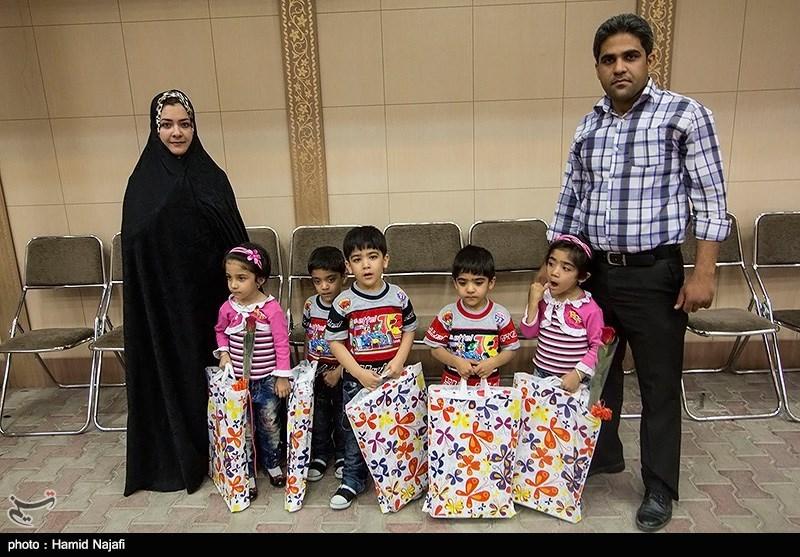 خانوادههای دارای فرزند چند قلو کمک بلاعوض دریافت میکنند
