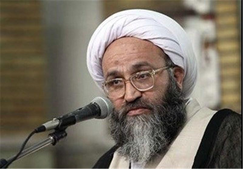 """دولت تنها """"5 درصد کانون ریزگردها"""" در خوزستان را نهال کاری میکند؛ این کار اقدامی """"انحرافی"""" است"""