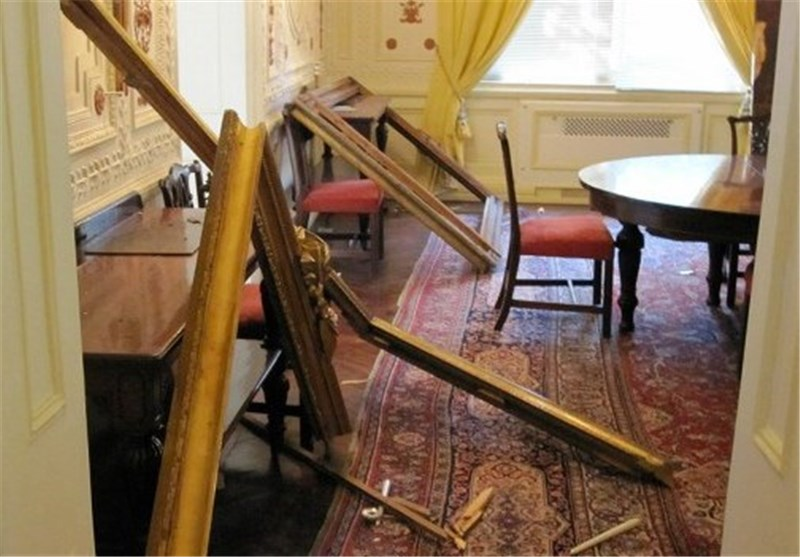 لندن: حمله به سفارت انگلیس در تهران 'بیش از یک میلیون پوند' خسارت وارد کرد
