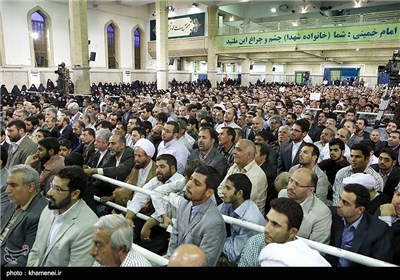 Iranian Martyrs Families' Meet Supreme Leader