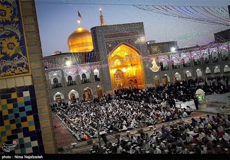 قرآن خوانی در حرم رضوی