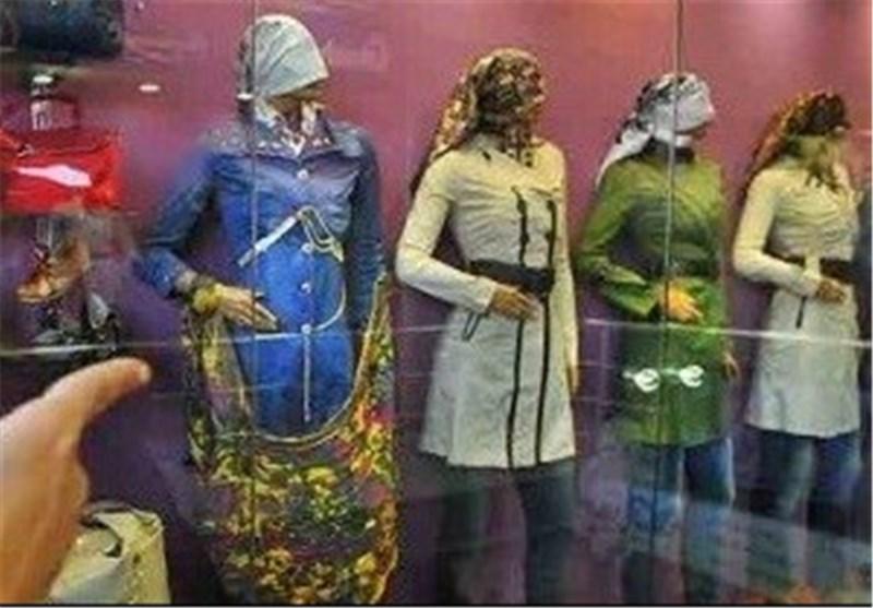 زنگ خطر عرضه پوشاک مورددار در اردبیل به صدا درآمد/ خودنمایی با لباسهای پشت نویس شده