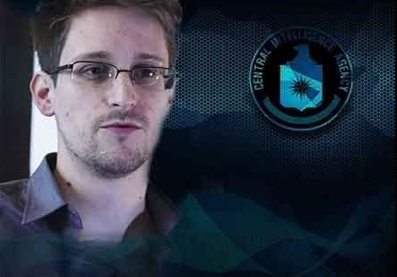 Snowden: Petraeus Disclosed Secrets, Faced No Jail due to 'Two-Tiered System'
