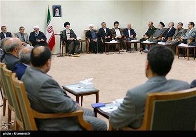 الامام الخامنئی یستقبل رئیس الجمهوریة وحکومته