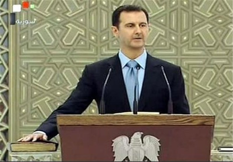 "Bashar Assad Mocks US Airstrikes on ISIL as Not ""Serious"""