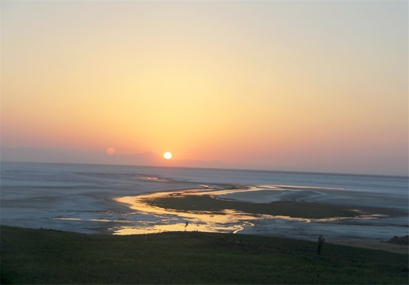 14 میلیارد و 200 میلیون متر مکعب آب برای احیای دریاچه ارومیه نیاز است