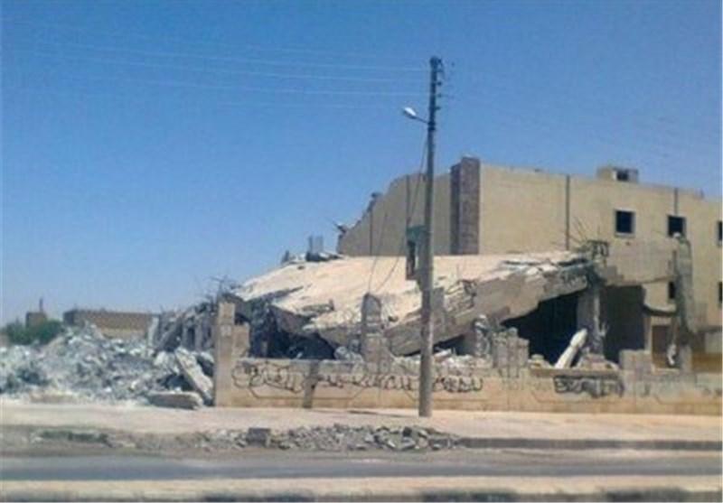 """عصابات """"داعش"""" تهدم مسجد """"فاطمة الزهراء"""" بمدینة الرقة"""
