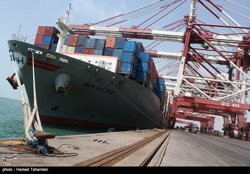 پهلوگیری ۲۰ فروند کشتی حامل کالاهای اساسی در بندر شهید رجایی