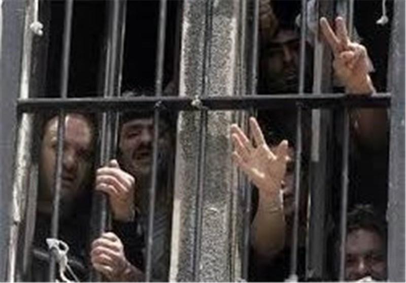 14 أسیر فلسطینیا فی سجون الاحتلال الصهیونی فقدوا عائلاتهم فی العدوان على غزة