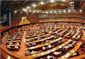 البرلمان الباکستانی یعارض بشدة إرسال وحدات عسکریة باکستانیة الى السعودیة