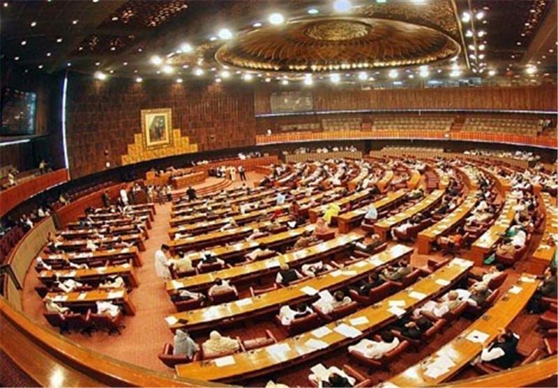 Pakistan Parliament Convenes amid Crisis