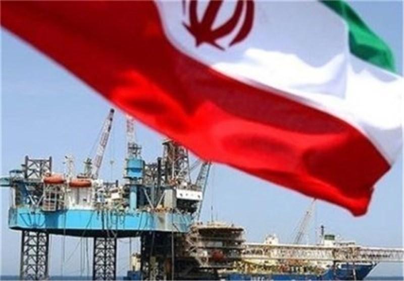النفط الإیرانی الخام یسجل إرتفاعاً ویصل إلی نحو 32 دولارا للبرمیل الواحد