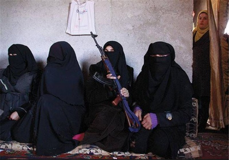 داعش تسلب المرأة أبسط حقوقها فی دیر الزور شمال سوریا