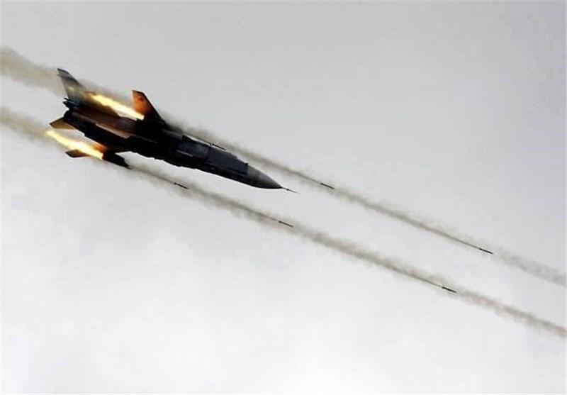 الطائرات السوریة تشن غارات على جرود عرسال على الحدود اللبنانیة