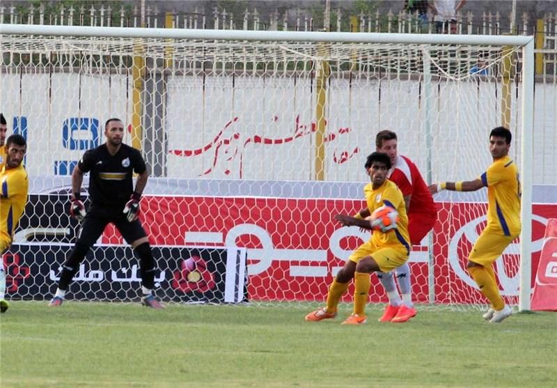 بازی تیم نفت مسجدسلیمان با پدیده مشهد از نگاه دوربین