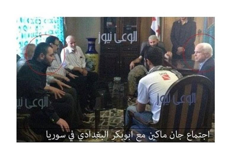 بالصور .. قاء یجمع بین الارهابی أبوبکر البغدادی والسیناتور جون ماکین