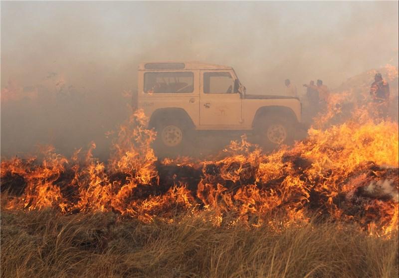 10 گروه در تلاش برای مهار آتشسوزی در پارک ملی گلستان هستند