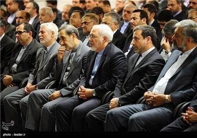 الامام الخامنئی یستقبل وزیر الخارجیة وسفراء ایران الاسلامیة بالخارج