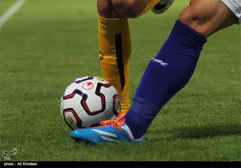لیگ برتر و توپ فوتبال