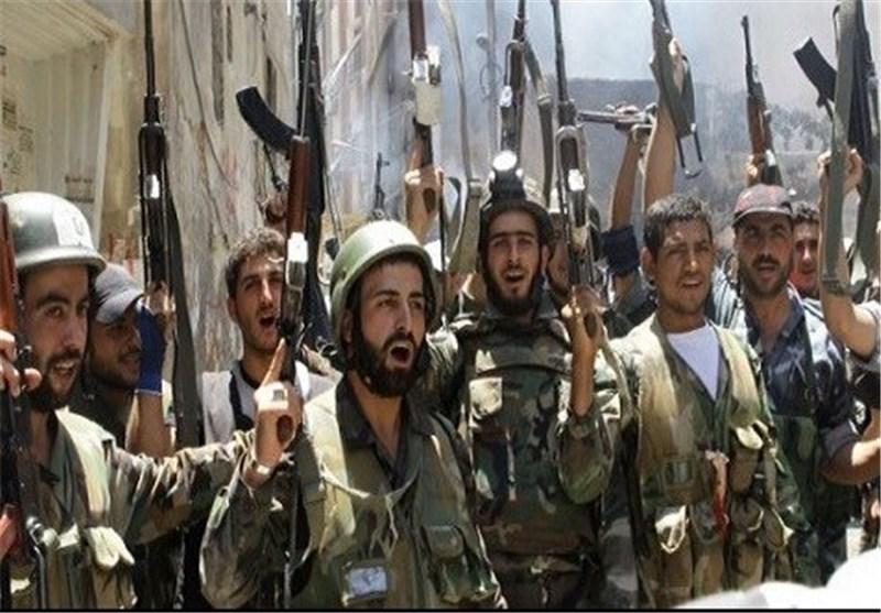 الجیش السوری یحبط عملیتین انتحاریتین على أطراف مطار الطبقة العسکری
