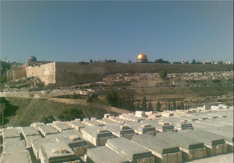 """هیئة مقدسیة تحذر من اقامة قبور یهودیة وهمیة"""" فی محیط الأقصى"""