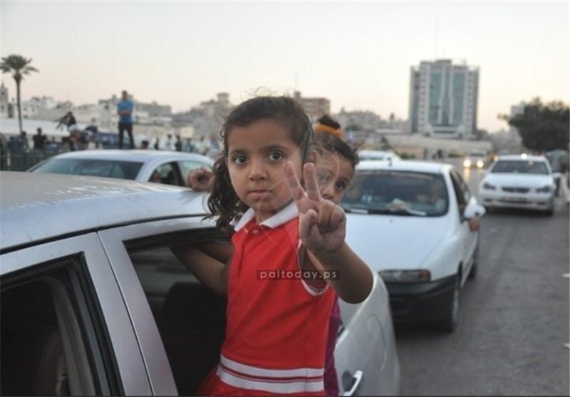 فرحة الغزیین بانتصار المقاومة وهزیمة «إسرائیل» واحتفالات النصر تعم شوارع القطاع والقدس والضفةالغربیة