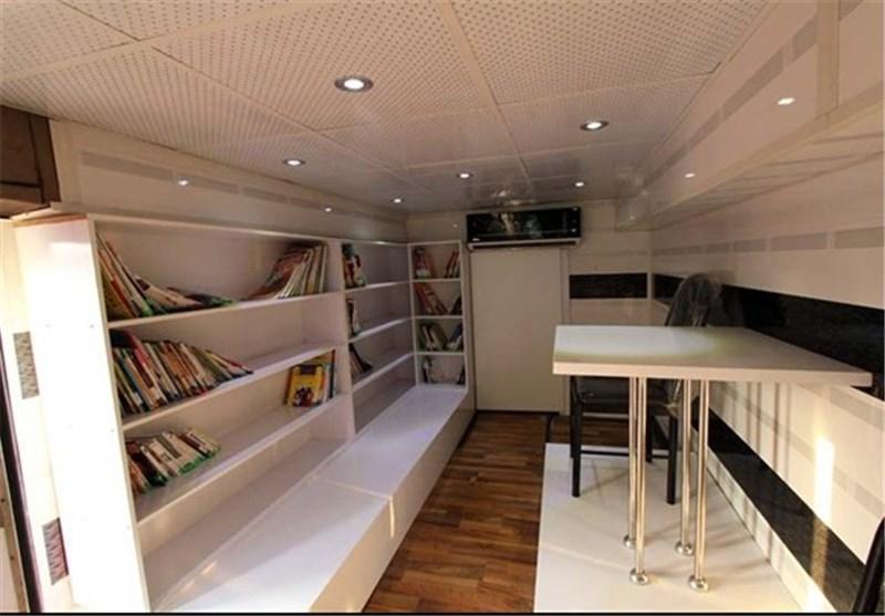 تهران| اتوبوس کافه کتاب در روستاهای شهرری به حرکت درآمد