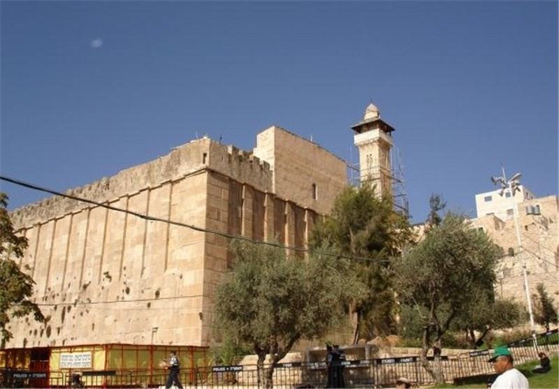 الاحتلال یمنع 58 مرة رفع الآذان فی الحرم الإبراهیمی خلال الشهر الماضی