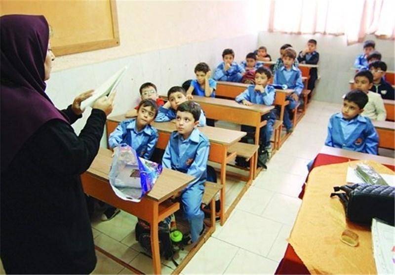 """76 درصد دانشآموزان """"مدارس غیردولتی"""" فرزندان کارمندان دولت هستند!"""