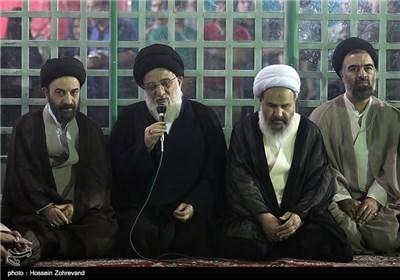 أعضاء مجلس خبراء القیادة یجددون العهد والمیثاق مع الامام الخمینی طاب ثراه