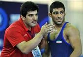 حسینخانی: مشکلات کشتیگیران تهرانی باید ریشهای حل شود/ چند قهرمان جهان و المپیک در وزن من حضور دارند ولی برای مدال طلا میجنگم