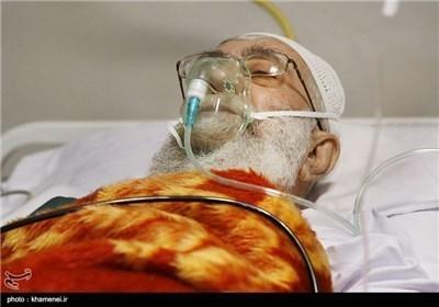 الرئیس روحانی یزور الامام الخامنئی فی احد مستشفیات طهران