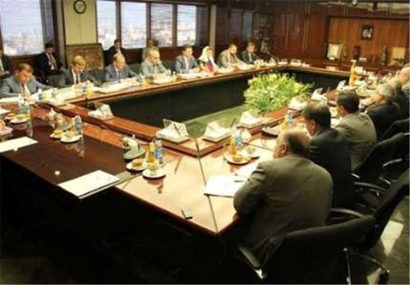 وزیر الطاقة :ارضیة التعاون بین ایران وروسیا متوفرة لانشاء 8 محطات کهروحراریة