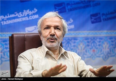 حضور حاج ماشاالله عابدی مداح اهل بیت در خبرگزاری تسنیم
