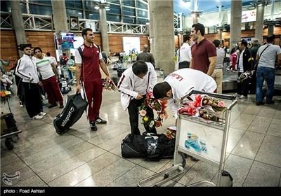 Photos: Iran Wrestling Team Returns Home